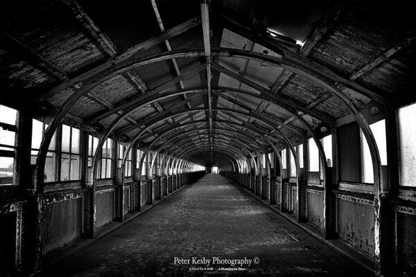 Admiralty Pier - Inside - Mono